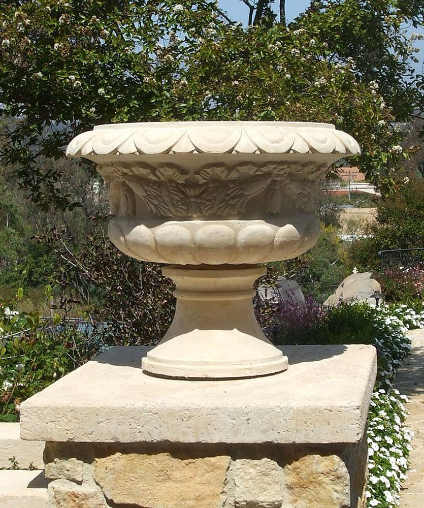 Florentia Planter Venetian Architectural Stone