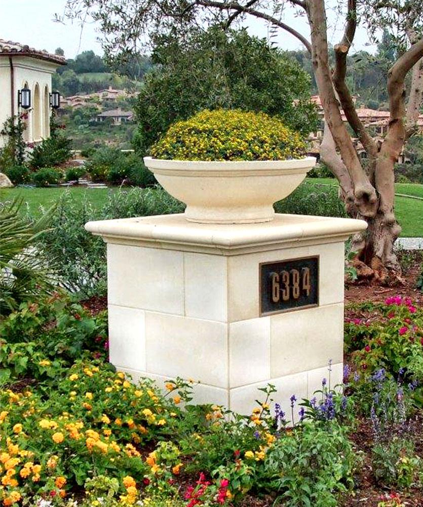 Nimes Planter Venetian Architectural Stone